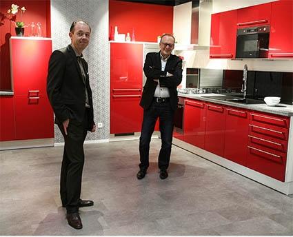 cuisines aviva s 39 implante brest choisir sa franchise. Black Bedroom Furniture Sets. Home Design Ideas